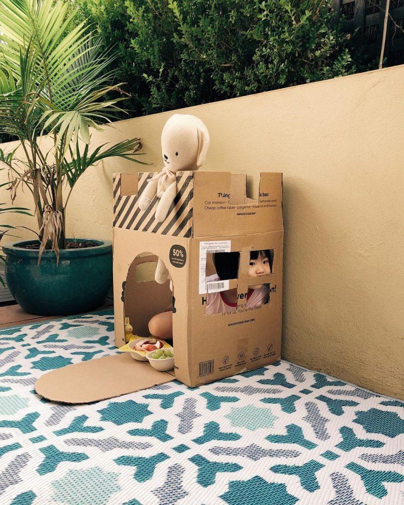 Enclosing schema: Hiding in cardboard castle